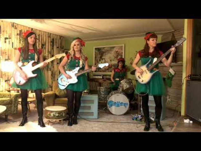 The Surfrajettes- Jingle Bells - Ventures Christmas Tribute!
